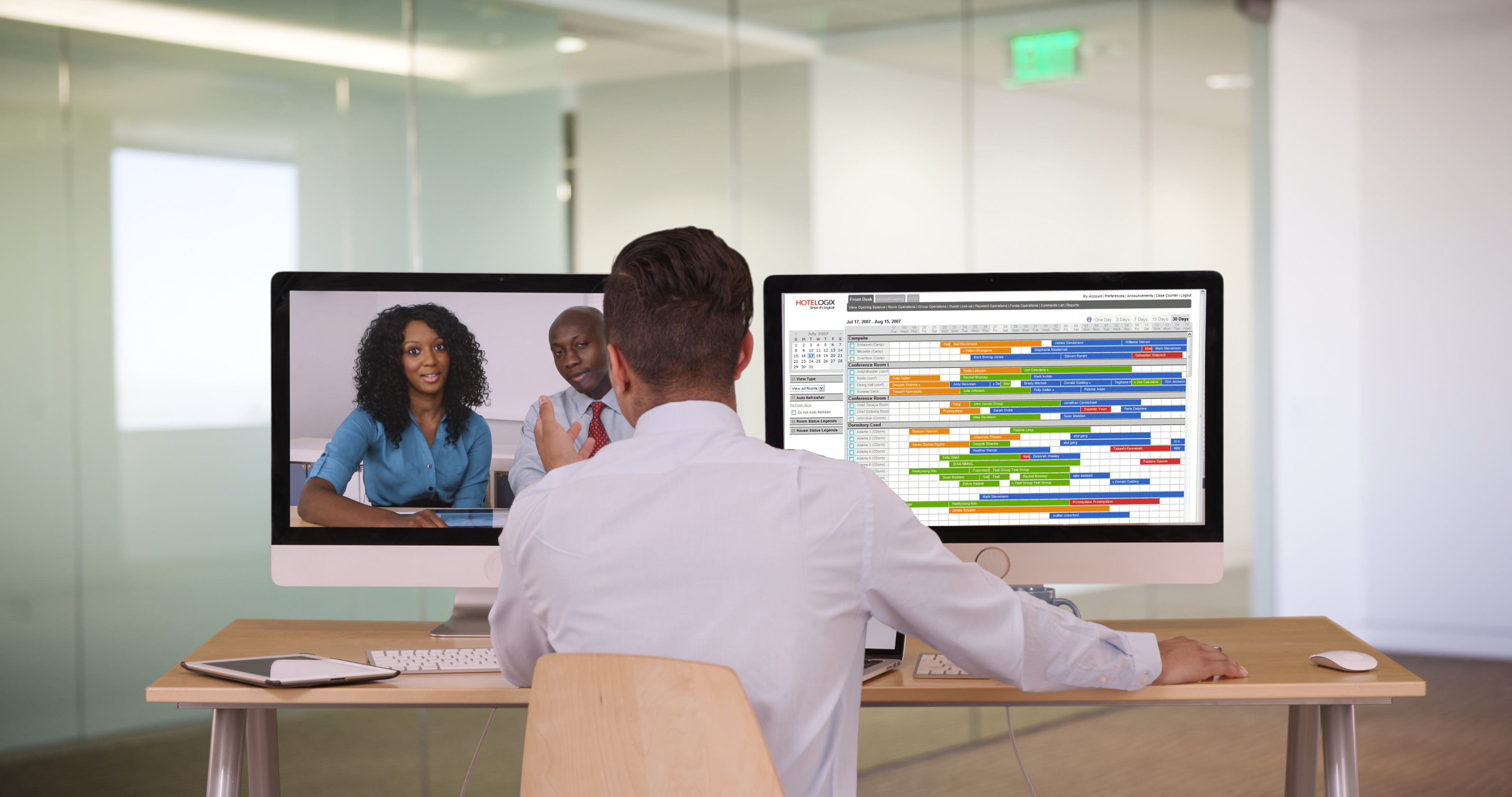 Agent providing customer service remotely using Virtual Front Desk