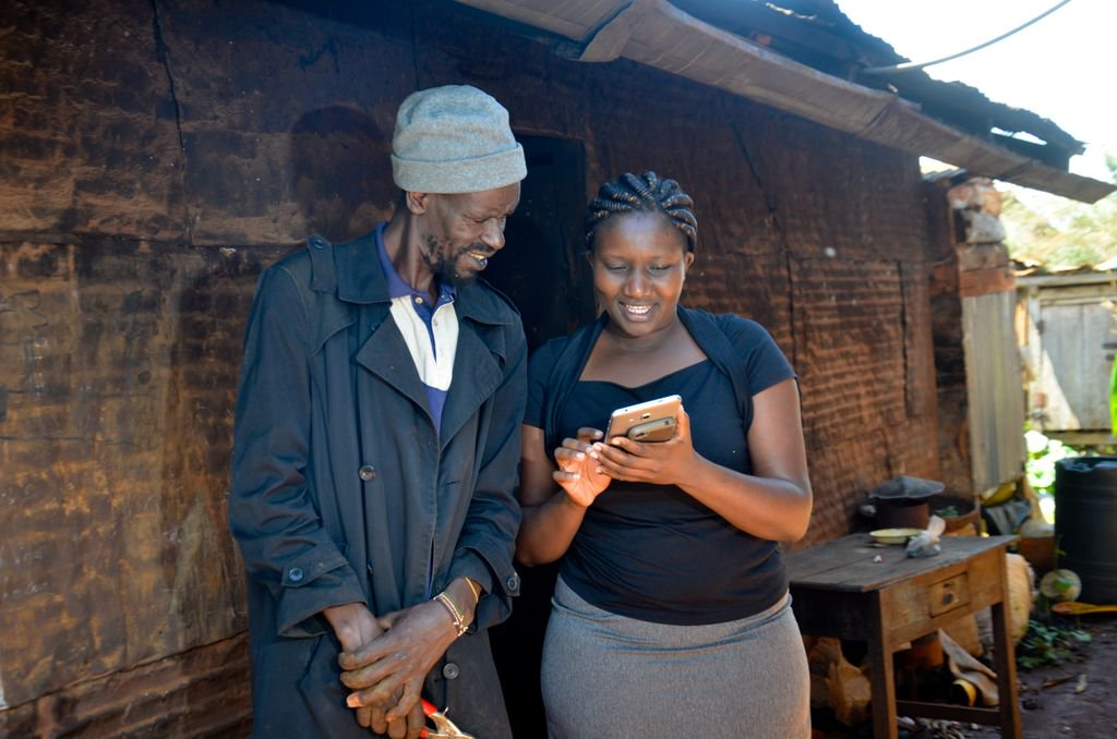 Field Officer using Musoni to capture client details remotely. The DFA can be used for client onboarding & management, loan applications, digital data capture, reporting, repayments, deposits & withdrawals. All in online and offline mode.
