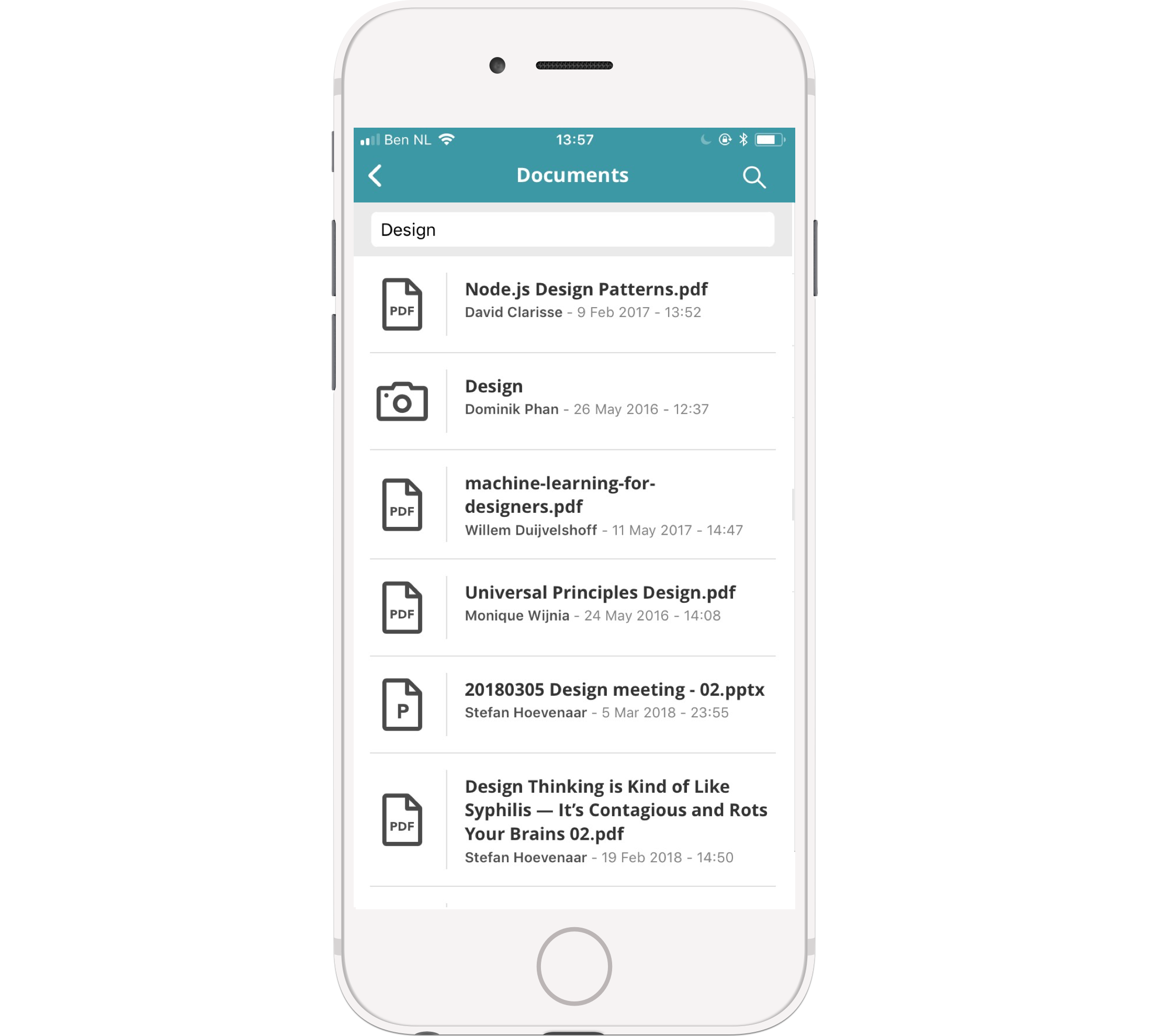 No need to download anything to be able to read a document on the go: just check it out in the app.