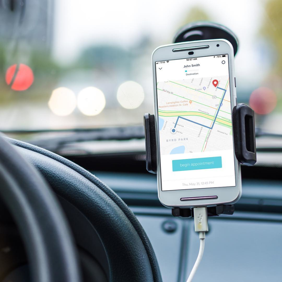 An example of a field worker or driver receiving in-car directions to an appointment location via the Workpath app for Android smartphones